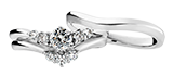 結婚指輪 婚約指輪と重ねづけできるリング