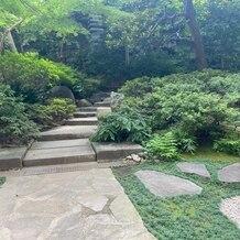 シェラトン都ホテル東京の画像 挙式会場へ向かう際の庭園