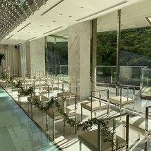 東京マリオットホテルの画像|緑が見える光が溢れる素敵な挙式会場でした?