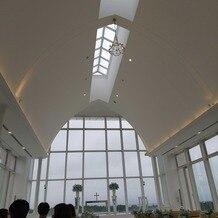 アートグレイス ウエディングコースト 東京ベイの画像 天空のチャペル 天気は曇り