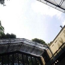リストランテASOの画像|晴れていると天井が開けられて自然光がとても美しいです