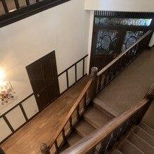 旧石丸邸 ガーデンテラス広尾 (Garden Terrace HIROO residence ISHIMARU)の画像 2F階段からの景色