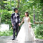 星野リゾート 軽井沢ホテルブレストンコート:都会の喧騒を離れ、一泊旅行感覚で楽しむリゾートウエディング。緑の木々に囲まれた空間へ大切な人達を招待