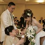 森のチャペル 軽井沢礼拝堂 ホテル軽井沢エレガンス:一番大切にしたかったのは、自分たちを祝福してくれる家族や友人たちと、顔を突き合わせて話ができる距離感
