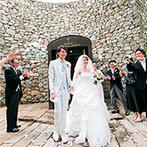 THE NIDOM RESORT WEDDING:空気が澄み渡る森の中での誓い…。石を積み重ねた独特のフォルムが目を引くチャペルで記憶に残るセレモニー