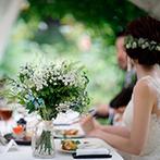 THE NIDOM RESORT WEDDING:ゲストとのお喋りや北海道ならではの美食を心ゆくまで満喫。季節の花が咲き誇るガーデンで和やかなひと時