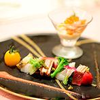 星野リゾート トマム 水の教会:旬の素材を活かした美食を味わいながら、ゲストとふれ合う至福の時。キャンドル演出で感謝の想いをカタチに