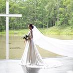 星野リゾート トマム 水の教会:「緑豊かな高原や森の中など、ひと味違う場所で結婚式をしたい」そんなイメージに合う会場&チャペルを検討
