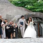 石の教会 内村鑑三記念堂:美しい緑に包まれた軽井沢を訪れたふたり。多彩な魅力を体感し、ここならゲストの心に残る一日が叶うと確信