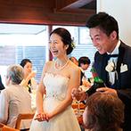 石の教会 内村鑑三記念堂:軽井沢の涼しい気候のおかげで、夏の結婚式も快適。避暑地の旅行を一緒に楽しみ、親族との絆も深まる1日に
