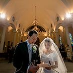 ローズガーデンクライスト教会:牧師の言葉が胸に響く、伝統的な教会式。パイプオルガンと聖歌隊が、神聖な雰囲気をさらに盛り上げてくれた