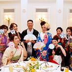 アーククラブ迎賓館 金沢:テーブルごとに特色のあるフォトプロップスで撮影。余興やバースデーサプライズでもみんなの温かみを実感