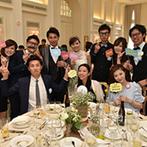 アーククラブ迎賓館 金沢:手作りのロゼットがアットホームなパーティを演出。フォトラウンドでゲストとの幸せな想い出を形に残した