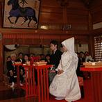 きざん八戸:国指定重要文化財など歴史ある由緒正しい八幡宮で厳粛な神前式。雪が降るなかでの挙式は情緒たっぷり