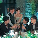 THE MAGRITTE (ザ マグリット):ゲストとの距離が縮まるよう、披露宴の始まりも一工夫。ケーキカットやゴスペル演出で会場内は大盛り上がり