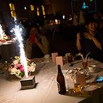 マリエールオークパイン日田:各卓でのフォトサービスやサプライズ花火で賑やかなムード。デザートビュッフェ付きの贅沢な美食に大満足