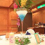 THE MARCUS SQUARE ザ・ホテル長崎BWプレミアコレクション(旧 ベストウェスタンプレミアホテル長崎):冬仕様のチャペルから、常夏のバンケットへ!海が大好きなふたりらしく、テーマは「海」と「トロピカル」