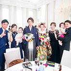 プレジール迎賓館:艶やかな花魁風の和装、花が咲き誇るピンクのドレス、ブルー&パープルの爽やかな装花も際立つ純白の空間!