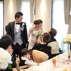 京都ノーザンチャーチ北山教会:ゲストや家族にくつろいで楽しんでもらいたいと思っていたふたり。穏やかな笑顔に満ちた心地よい披露宴に