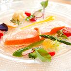 mitte(ミッテ):美味しい料理を囲み、ゲストとともに楽しめる理想の結婚式が叶う会場。スタッフの丁寧な対応も決め手に