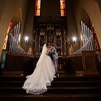 マリエール岡崎(St.Soleille大聖堂):アンティークの祭壇が印象的な本格大聖堂で感動の挙式。開放感あふれるガーデンでアフターセレモニーも