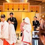 浅草ビューホテル:都内では珍しい100名まで収容可能な館内神殿。下町情緒あふれる浅草で、白無垢×人前式を叶えることに