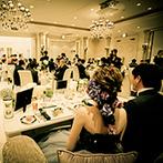 アイルマリー横浜(I'LLMARRY YOKOHAMA):祝福のダンスやムービーなど、温かみに包まれたパーティ。新郎や両親による映像のサプライズにも感激