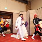 ヒルトン東京:沖縄エイサーでゲストも一緒に踊って大盛り上がり!新婦の感謝と愛が伝わるウエディングフラダンスに感動