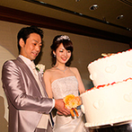 リーガロイヤルホテル京都:披露宴前はウエルカムドリンクを飲んでリラックス。こだわりのケーキや美食は幅広い年代のゲストに喜ばれた