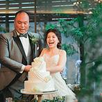 UTSUNOMIYA MONOLITH(宇都宮モノリス):純白のウエディングドレスが映える、緑と青のパーティ会場。演出のタイミングに合わせて噴き出す噴水も好評