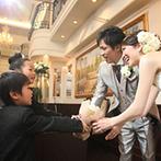 OSAKA St.BATH CHURCH(大阪セントバース教会):写真や装花、ドレスに司会者など各専門スタッフとの細かい打合せで安心できた。司会者の細かな気配りに感謝