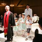 ヒカリフルコート:永遠を誓うのにふさわしい、純白の大聖堂で家族との絆を結ぶ挙式。家族全員にとって忘れられない日になった