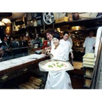 イルブッテロ:トスカーナの風が薫る会場にはなんとオープンキッチンが!ふたりで焼いたピザをふるまうユニークな演出も