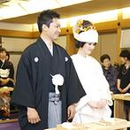 HOTEL NEW OTANI HAKATA(ホテルニューオータニ博多):三三九度をはじめ、憧れのシーンにもうっとり。日本の伝統が息づく厳かな挙式で、幸せをかみ締めた