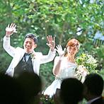 BELLE UN JOUR(ベルアンジュール):最初の入場は緑輝くガーデンから爽やかに!両家をつなぐ『絆バイト』や、大切な友人による花のセレモニーも