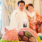HANA CLUB 華王殿:ユニークな演出の連続で、まさにエンターテイメントなパーティ。まんじゅう入刀はシャッターチャンスに!