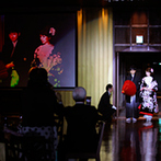 スギノイ ホテル&リゾート(SUGINOI Hotel&Resort):新しいアイデアをどんどん提案してくれたプランナー。撮影スタッフのおかげで、楽しさ溢れる演出に成功!