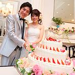 アーヴェリール迎賓館 岡山:装花やコーディネートは不思議の国の物語をアレンジ。ファーストバイトは笑顔でダイナミックに、幸せ満開!