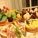 神戸北野ル・ヴァンヴェール:1日2組貸切だから、大きな笑い声も大丈夫。新婦の「大好き」をカタチにしたユニークなケーキに歓声が!
