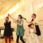 神戸北野 ル・ヴァン ヴェール:自由に動きまわれる雰囲気だから、肩肘張らずにリラックス。ゲストと言葉を交わしながら、幸せをかみ締めた