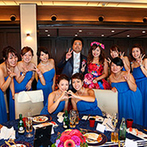 鳥羽国際ホテル:ドレスの色当てクイズを取り入れ、会場は大盛り上がり!賑やかな雰囲気で、ゲストとのふれあいも楽しめた