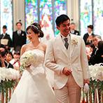 京都 アートグレイス ウエディングヒルズ:100名のゲストが見守る中で誓った永遠の愛。ガーデンでサンクスギビングパーティやバルーンリリースを満喫