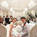 京都 アートグレイス ウエディングヒルズ:120名まで着席可能な広さを誇る大邸宅でプライベートなパーティ。カーテンを利用したシルエット入場も