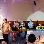 オリエンタルホテル広島:広島らしくしゃもじでのケーキバイトや、三線の生演奏などふたりの故郷にちなんだ演出がゲストの間で話題に