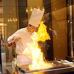 防府グランドホテル:美しいステンドグラスに彩られたガーデン付きチャペルに魅了。迫力満点のオープンキッチンも決め手に!