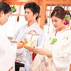 Le Timbre(ル・タンブル) BEST WESTERN Hotel Nagoya内:由緒ある川原神社で叶えた古式ゆかしい神前式。美しい雅楽の生演奏や巫女の舞がゲストの心にも強く刻まれた