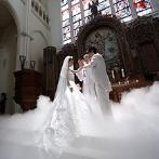アピオ~グランドステージ~:荘厳な大聖堂での模擬挙式で体感した演出に感動。新婦好みの衣裳が、たくさん揃っていることも決め手に