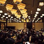 ホテル メルパルクOKAYAMA:大人数でもゆったりと着席でき、高級感が漂うバンケット。話題の映像演出が叶うチャペルで挙式がしたい!