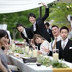 星野リゾート 軽井沢ホテルブレストンコート:ガーデンでのグリルビュッフェパーティはフリーの着席スタイル。外と中を自由に行き交えて大好評だった