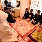 アクアデヴュー佐賀スィートテラス:新婦の実家で出立式を行い、由緒正しい武雄神社で厳粛な神前式。ビデオに様子を収め、パーティで披露した